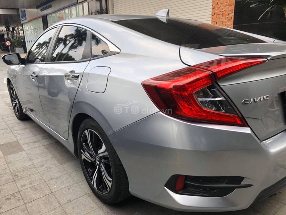 Honda CIVIC 1.5 Turbo đời 2017