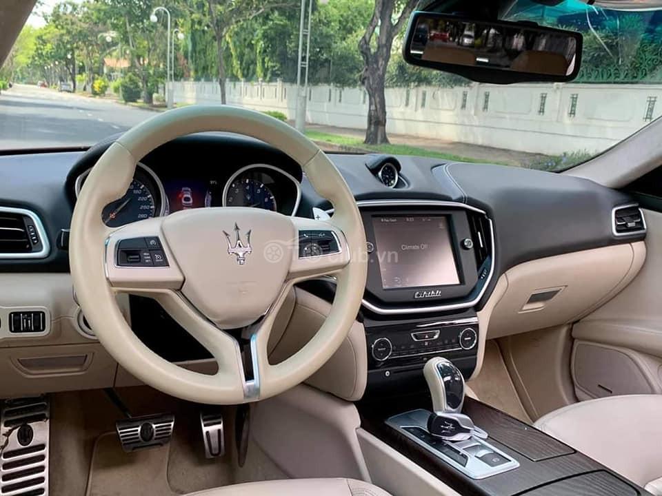 Maserati Ghibli model 2017 nhập khẩu chính hãng 100% từ Ý