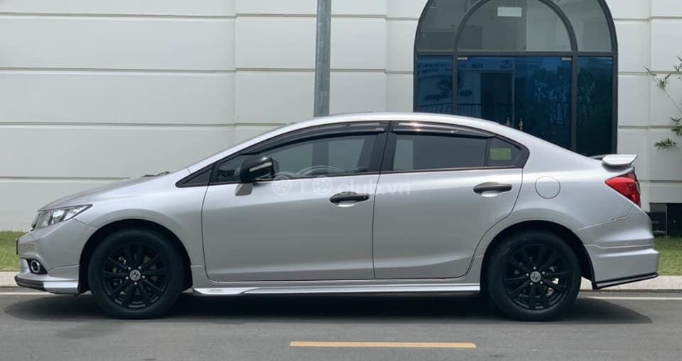 Honda Civic 2.0 Civic màu bạc đời 2015